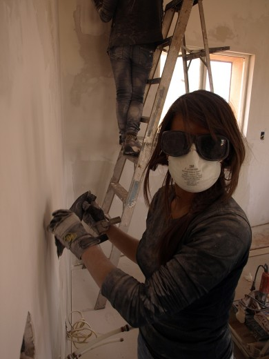 Ashley (an Epicenter volunteer) not afraid to get her hands dirty.